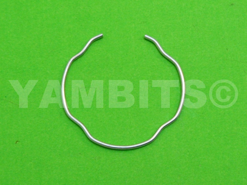 RD350 YPVS LC2 Fork Oil Seal Clip