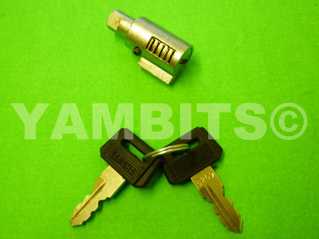 DT125LC MK1 Steering Lock Barrel & Keys