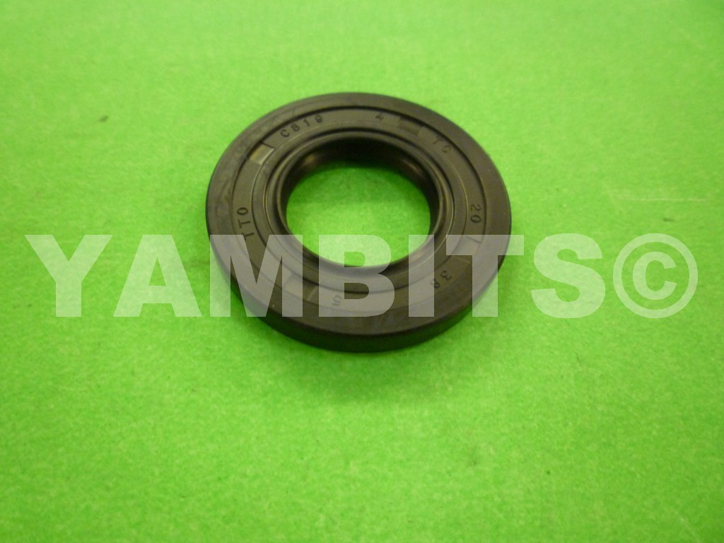 DT200 40R Gearbox Sprocket Oil Seal