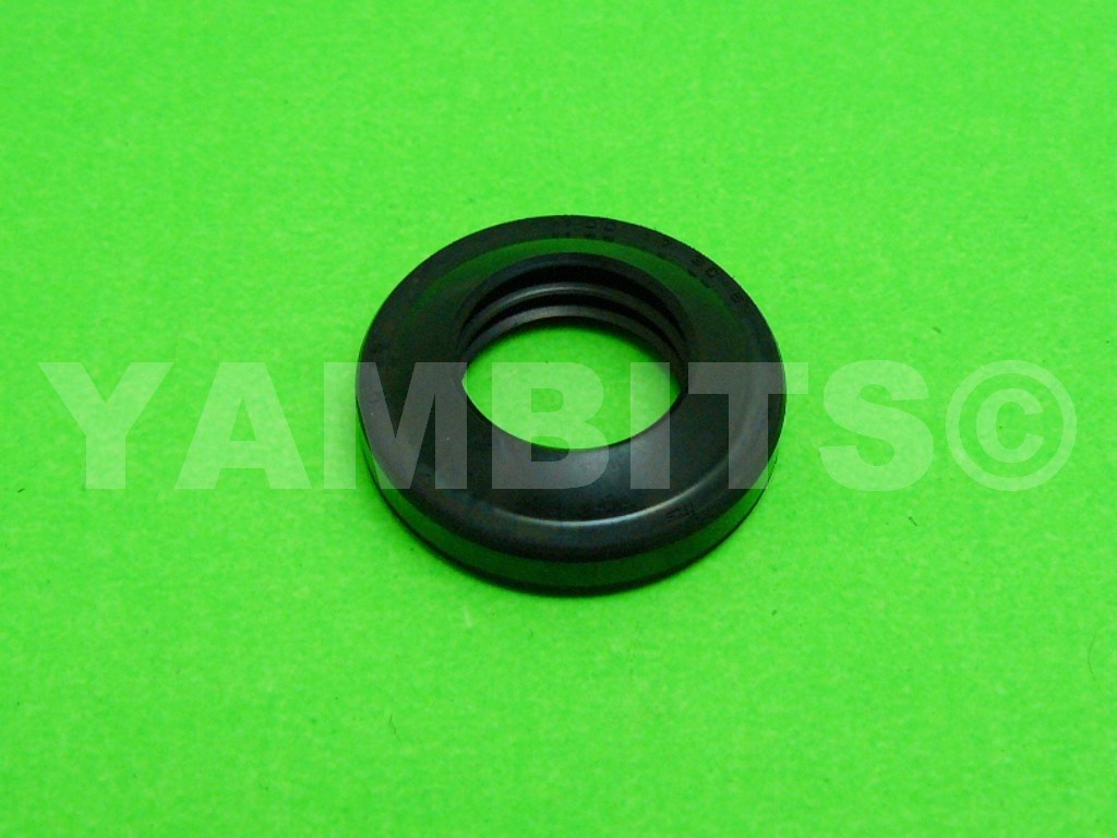 TY80 Wheel Seal Front R/H