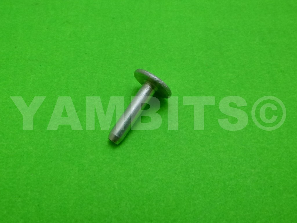 RD400C Seat Strip Trim Pin