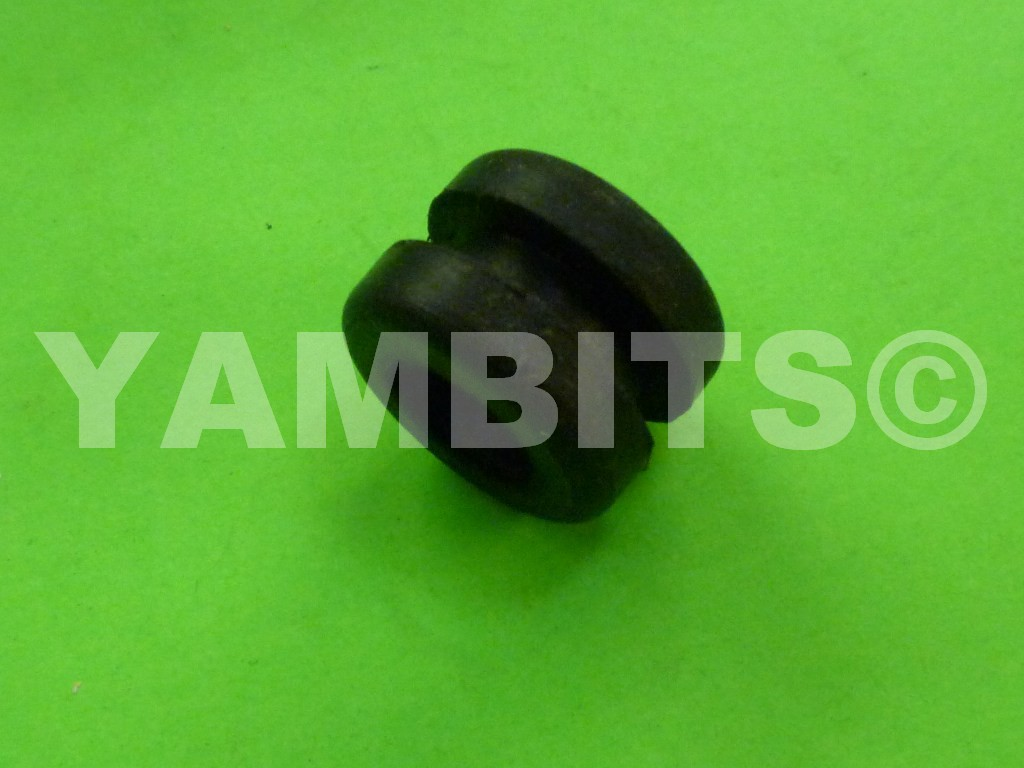 DT80LC1 Headlight Mounting Grommet