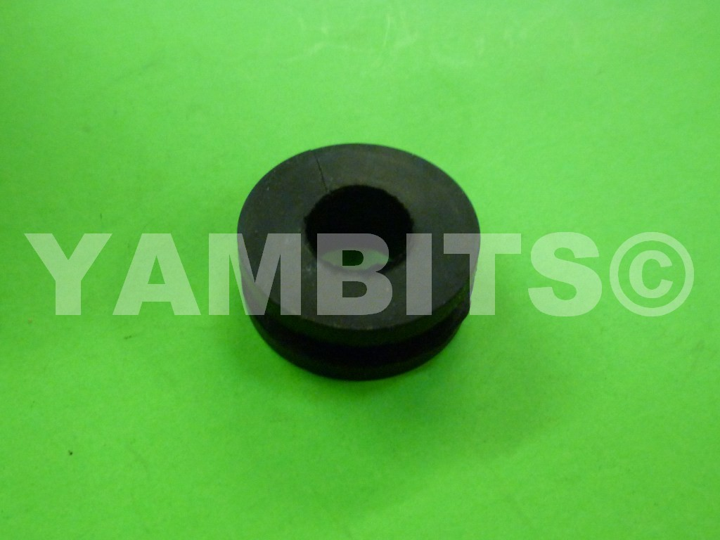 RD400D Rear Indicator Mounting Grommet