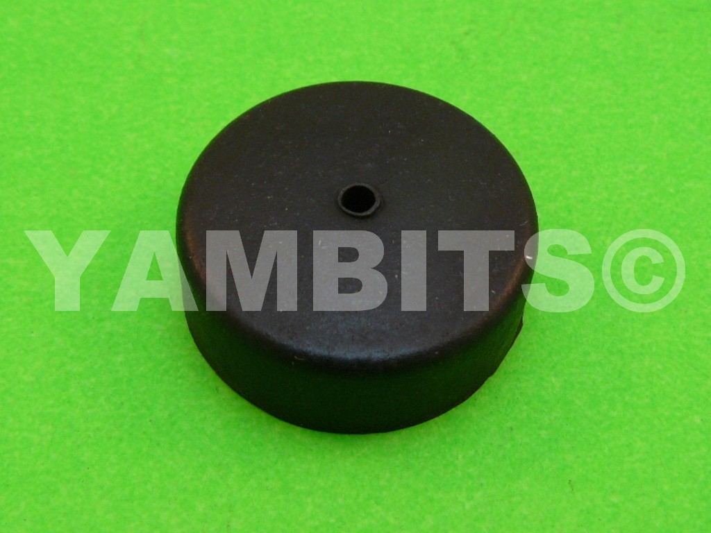 YG5S Fuel Tank Mounting Rubber Front