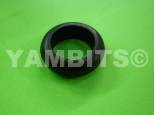 XS650 Headlight Bowl Grommet Small