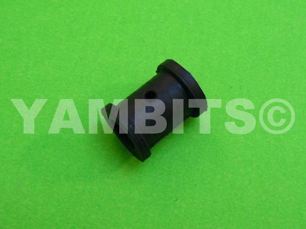 RD400E USA Brake Hose Mounting Rubber