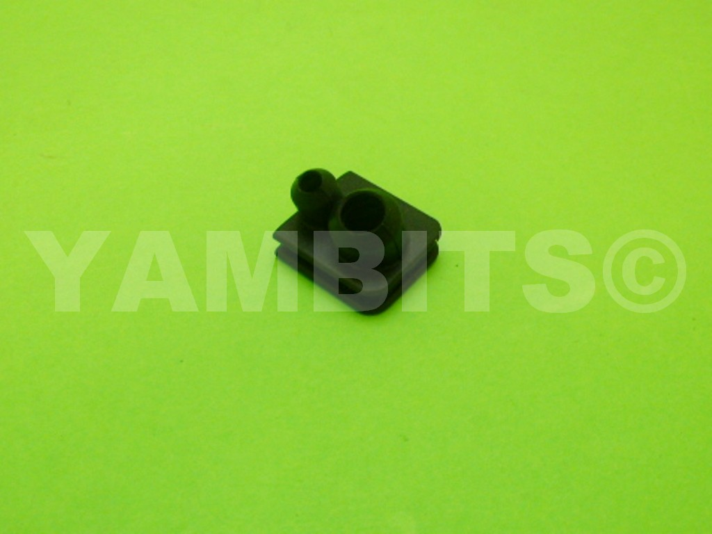 DT100 Oil Pump Line Grommet