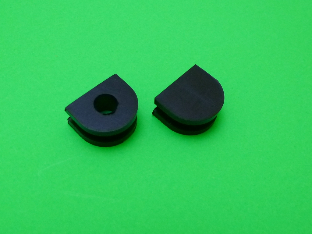 TX650 Cam Cover Grommets (Points Models)