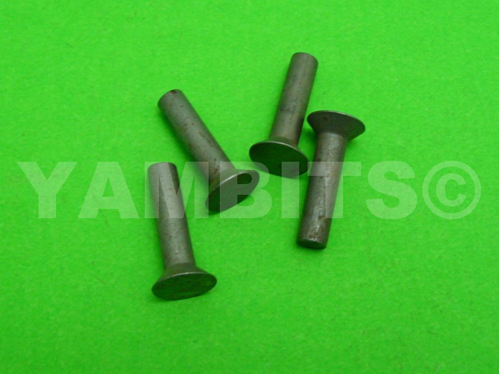 RD400E Clutch Basket Rivets